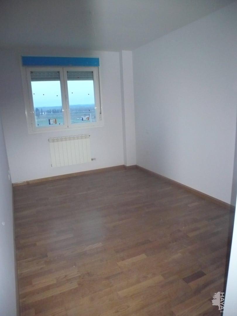 Piso en venta en Piso en Agoncillo, La Rioja, 65.000 €, 3 habitaciones, 2 baños, 93 m2