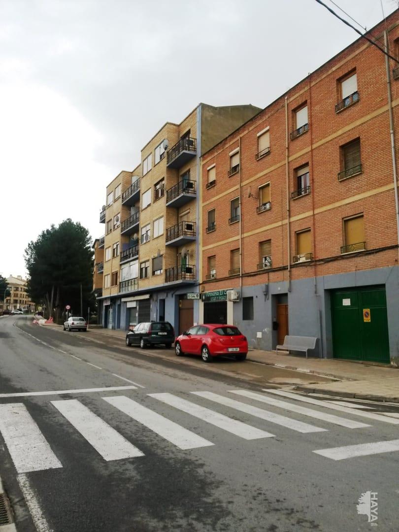 Piso en venta en Alfaro, La Rioja, Avenida Via de (la), 56.600 €, 3 habitaciones, 1 baño, 104 m2