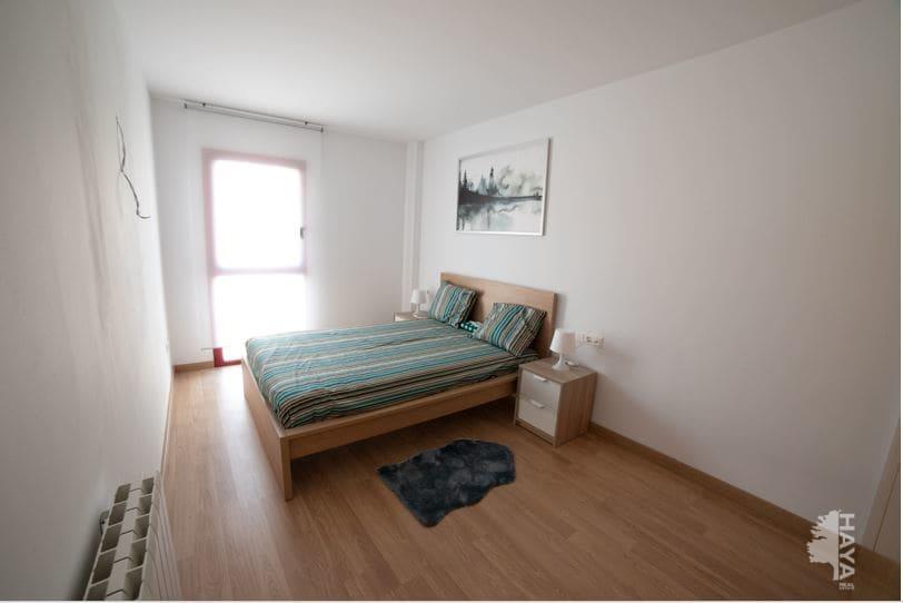 Piso en venta en Piso en Cassà de la Selva, Girona, 120.000 €, 3 habitaciones, 2 baños, 79 m2