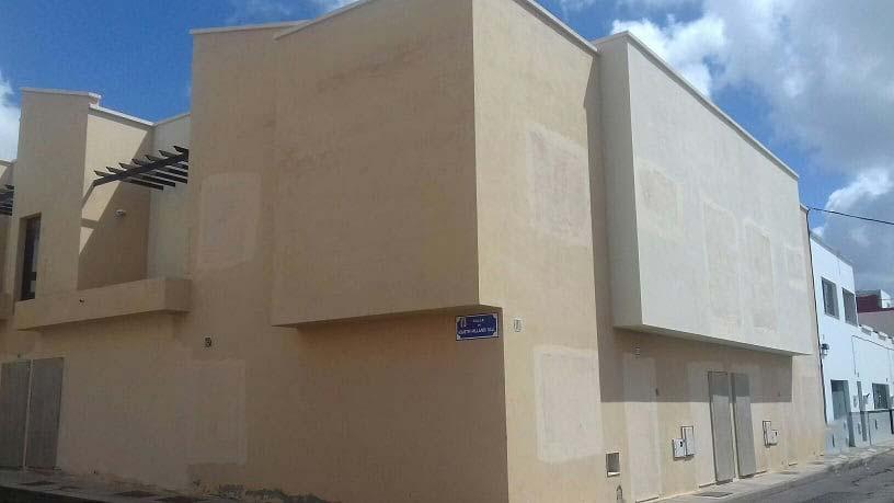 Piso en venta en Arrecife, Las Palmas, Calle Agustín Millares Sall, 134.000 €, 3 habitaciones, 1 baño, 109 m2