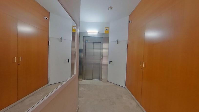 Piso en venta en Manresa, Barcelona, Calle Barcelona, 190.710 €, 4 habitaciones, 2 baños, 176 m2