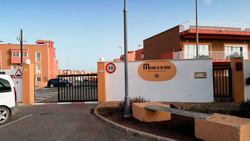 Piso en venta en La Oliva, Las Palmas, Urbanización Mirador de la Dunas, 126.950 €, 3 habitaciones, 2 baños, 112 m2