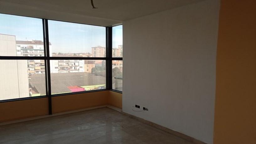 Piso en venta en Vic - Remei, Manresa, Barcelona, Calle Sant Joan D`en Coll, 191.900 €, 3 habitaciones, 2 baños, 141 m2