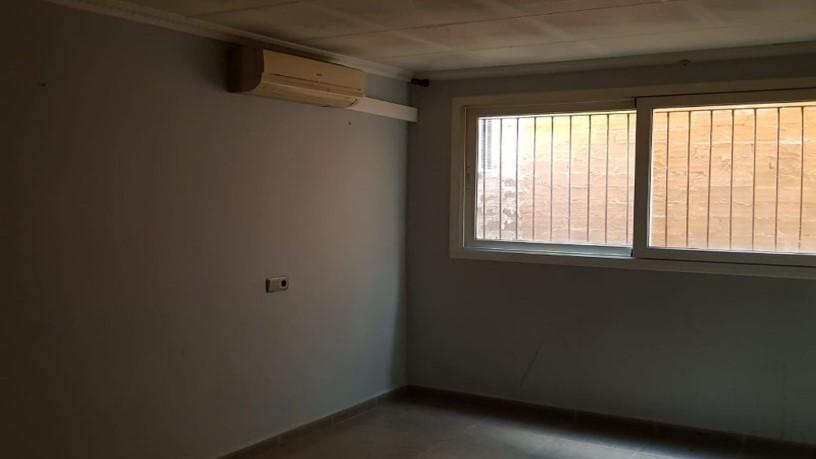Piso en venta en Can Boada (nucli Antic), Terrassa, Barcelona, Calle Cardenal Cisneros, 78.660 €, 3 habitaciones, 1 baño, 69 m2