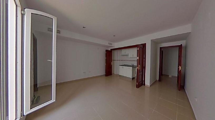 Piso en venta en Santiago, Jerez de la Frontera, Cádiz, Calle Armas de Santiago,, 55.000 €, 1 habitación, 1 baño, 78 m2