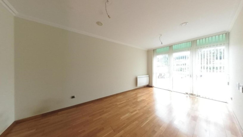 Piso en venta en Oleiros, A Coruña, Calle O Graxal, 162.330 €, 3 habitaciones, 2 baños, 73 m2