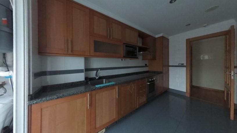 Piso en venta en Piso en Oleiros, A Coruña, 162.330 €, 3 habitaciones, 2 baños, 73 m2