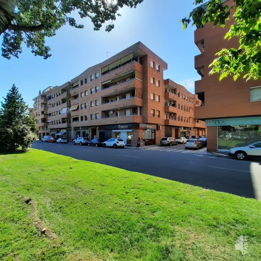 Piso en venta en Centre Històric, Lleida, Lleida, Calle A.creus Lo Pacheco, 116.200 €, 4 habitaciones, 2 baños, 90 m2