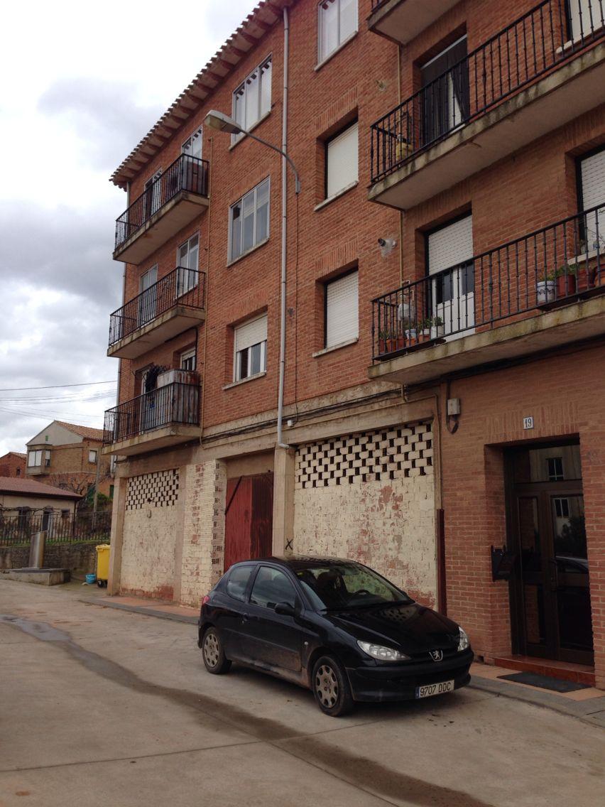 Piso en venta en Navarrete, La Rioja, Travesía Carretera de Burgos, 69.900 €, 2 habitaciones, 1 baño, 80 m2