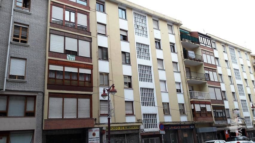 Piso en venta en Laredo, Cantabria, Calle Emperador, 90.000 €, 3 habitaciones, 1 baño, 70 m2