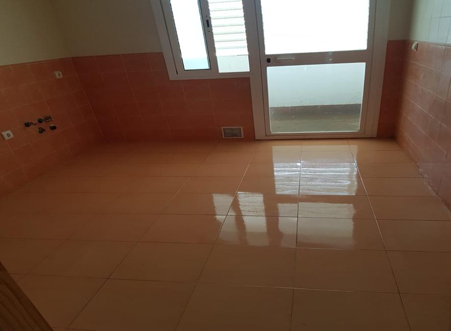 Piso en venta en Algeciras, Cádiz, Calle Cid Campeador, 95.900 €, 3 habitaciones, 1 baño, 79,27 m2