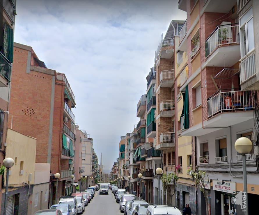 Local en venta en Local en Badalona, Barcelona, 140.400 €, 235 m2