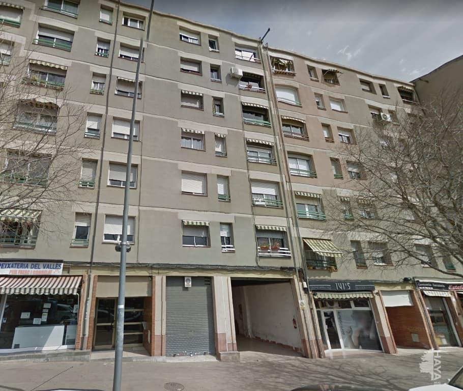 Piso en venta en La Cogullada, Terrassa, Barcelona, Avenida Joaquim de Sagrera, 118.800 €, 1 baño, 76 m2