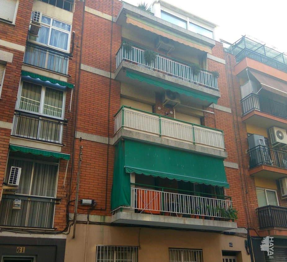 Piso en venta en Barri Centre, Sant Boi de Llobregat, Barcelona, Calle Cerdanya, 132.300 €, 3 habitaciones, 1 baño, 64 m2