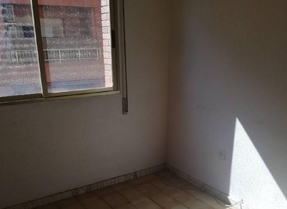 Piso en venta en San Pedro del Pinatar, Murcia, Calle Doctor Ferrero Velasco, 64.000 €, 3 habitaciones, 1 baño, 104 m2