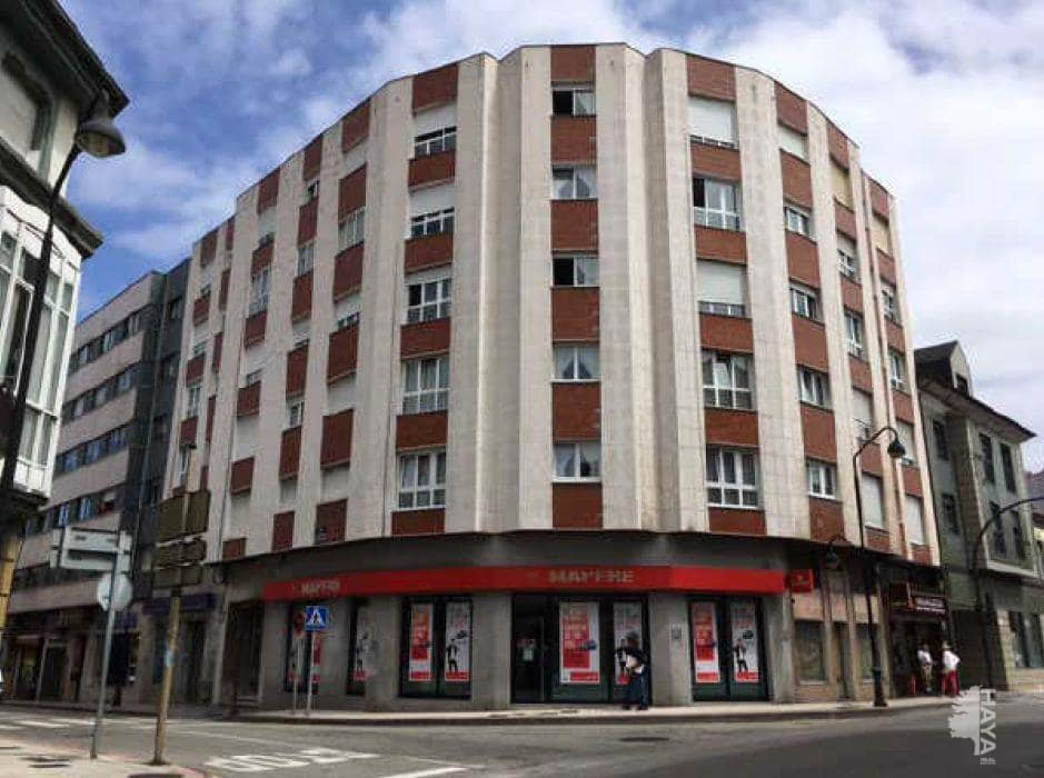 Piso en venta en Salinas, Castrillón, Asturias, Avenida Alcalde Jose Fernandin, 79.100 €, 3 habitaciones, 2 baños, 106 m2