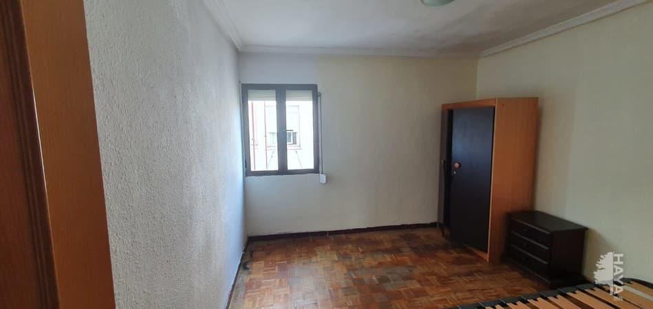 Piso en venta en Piso en Madrid, Madrid, 129.000 €, 3 habitaciones, 1 baño, 64 m2