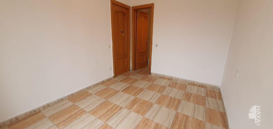 Piso en venta en Piso en L` Hospitalet de Llobregat, Barcelona, 102.900 €, 4 habitaciones, 2 baños, 70 m2