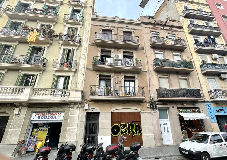 Local en venta en Barcelona, Barcelona, Calle Rambla Badal (de), 151.300 €, 134 m2