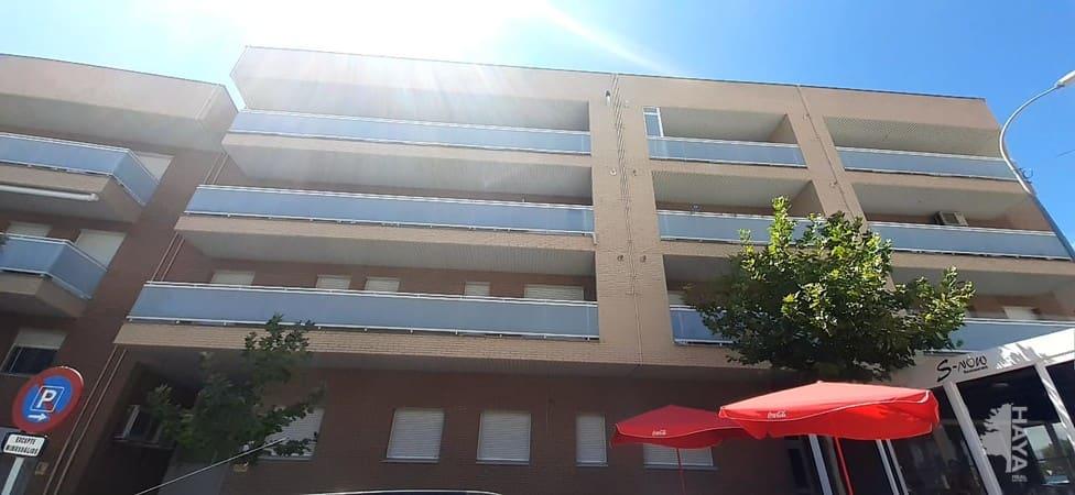 Piso en venta en Torre de la Consuelo, Bellpuig, Lleida, Avenida Urgell, 77.000 €, 2 habitaciones, 2 baños, 75 m2