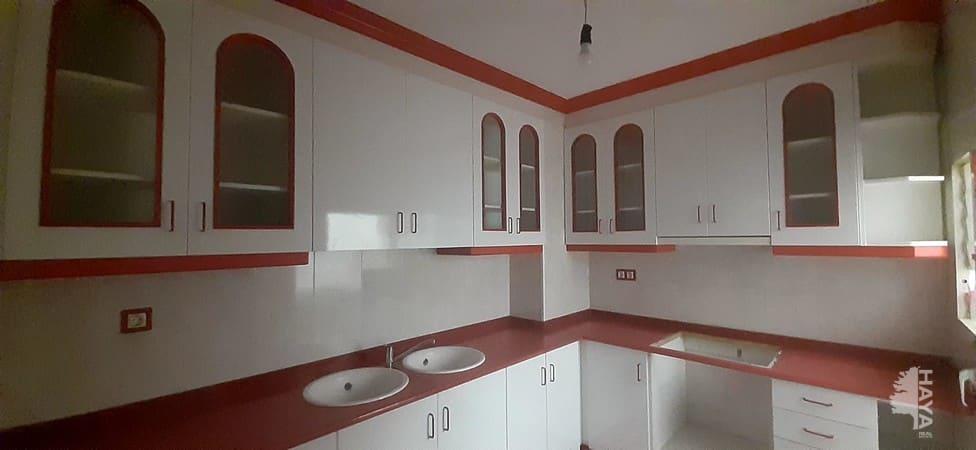 Piso en venta en Piso en Vilafranca del Penedès, Barcelona, 96.200 €, 4 habitaciones, 1 baño, 103 m2