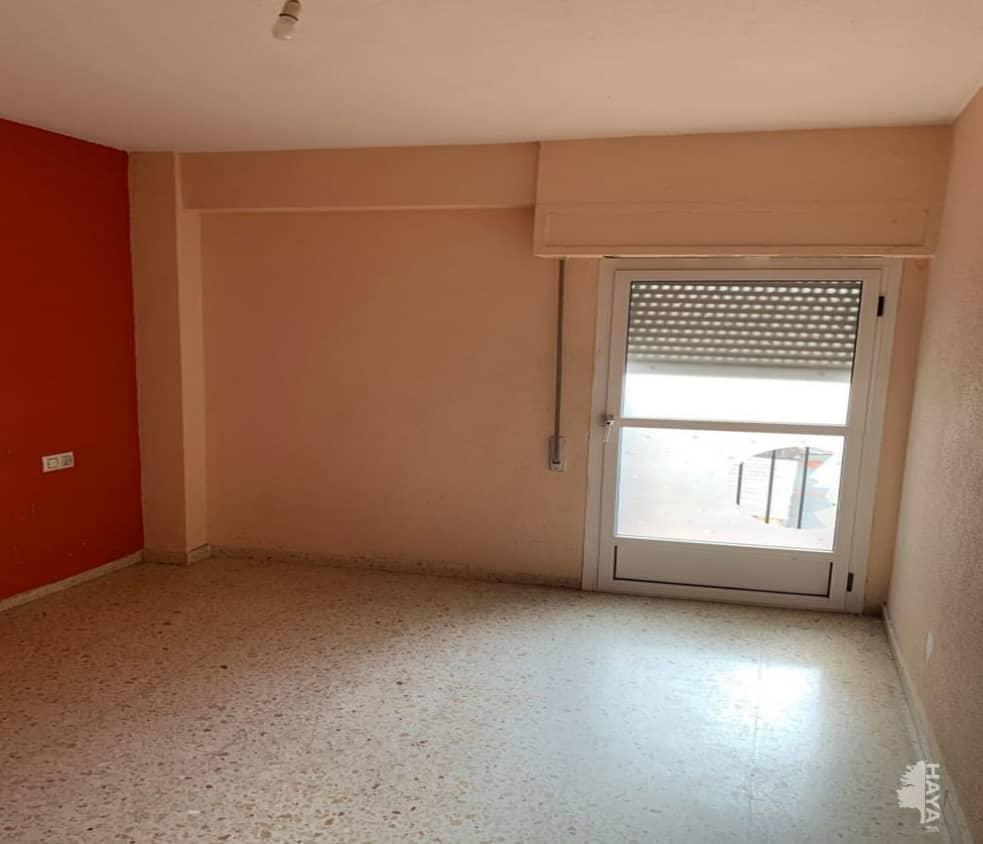Piso en venta en Gandia, Valencia, Calle Algepseria, 62.100 €, 3 habitaciones, 1 baño, 82 m2