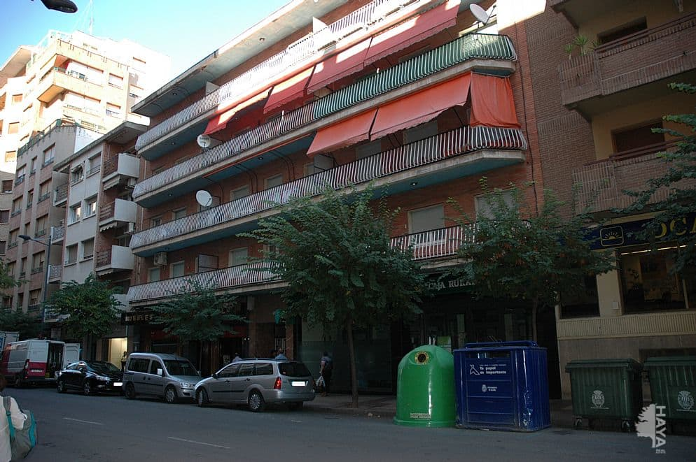 Piso en venta en Alcañiz, Teruel, Avenida Aragon, 60.000 €, 3 habitaciones, 1 baño, 122 m2