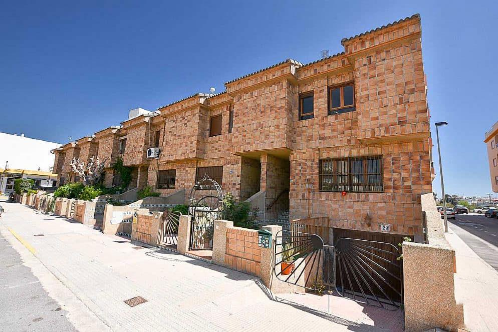 Casa en venta en Los Palacios, Formentera del Segura, Alicante, Avenida de Palacios, 96.525 €, 3 habitaciones, 2 baños, 99 m2