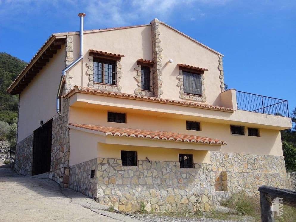 Casa en venta en La Salzadella, la Salzadella, Castellón, Calle Poligono 07, 58.000 €, 6 habitaciones, 1 baño, 234 m2