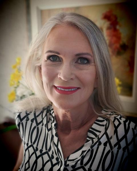 Real Estate Agent - Marieta Grobler