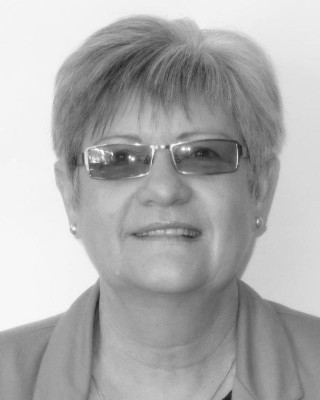 Real Estate Agent - Hannelie van Wyk