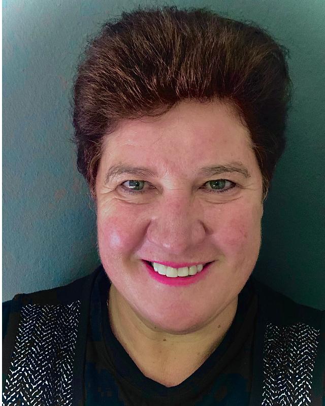 Real Estate Agent - Brenda Lens