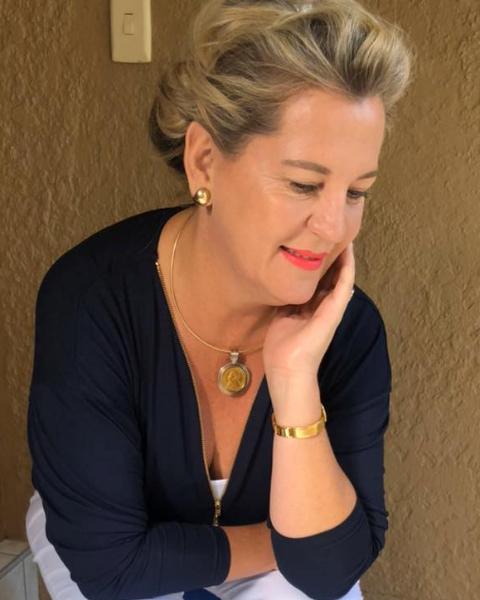 Real Estate Agent - Lisa Engels