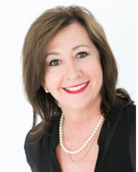 Real Estate Agent - Elna Esterhuizen