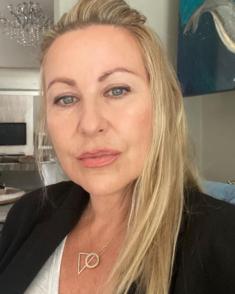 Real Estate Agent - Caroline da Rocha