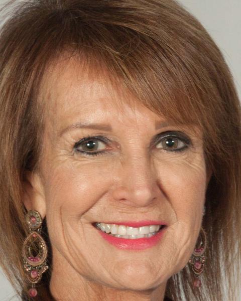 Real Estate Agent - Dianne Loock