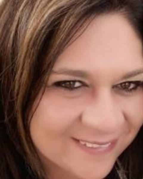 Real Estate Agent - Tanya Kuhn