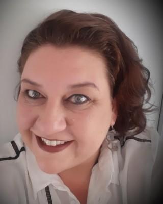 Real Estate Agent - Salomien Collins