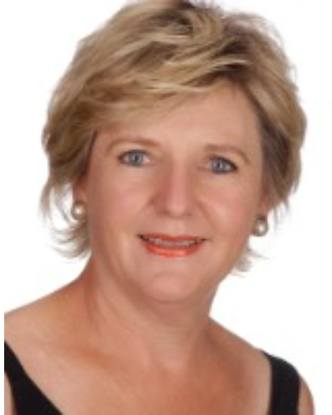 Real Estate Agent - Fréda Van Der Merwe
