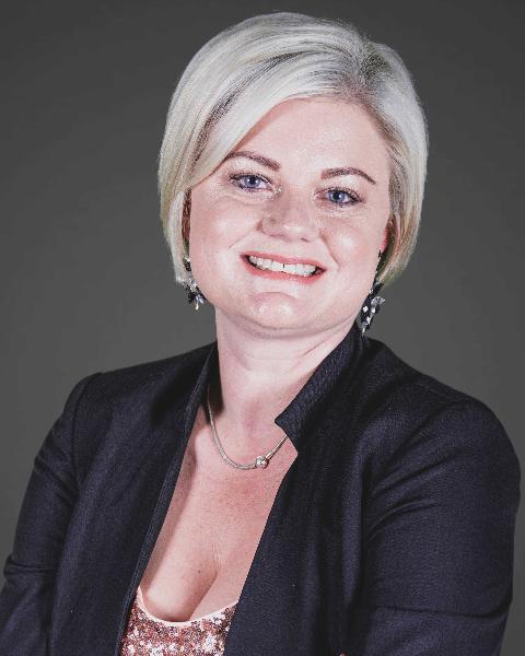 Real Estate Agent - Meggie McPherson