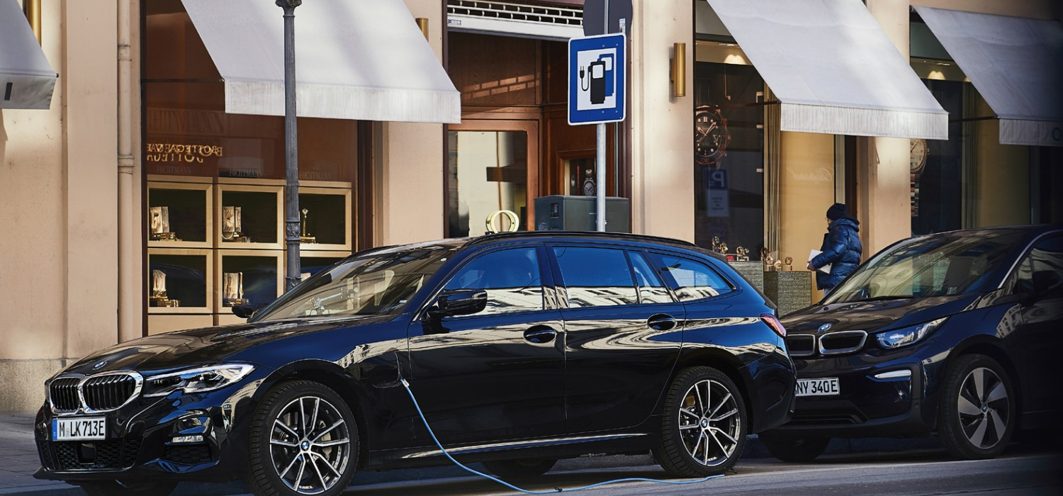 BMW expands electric choices