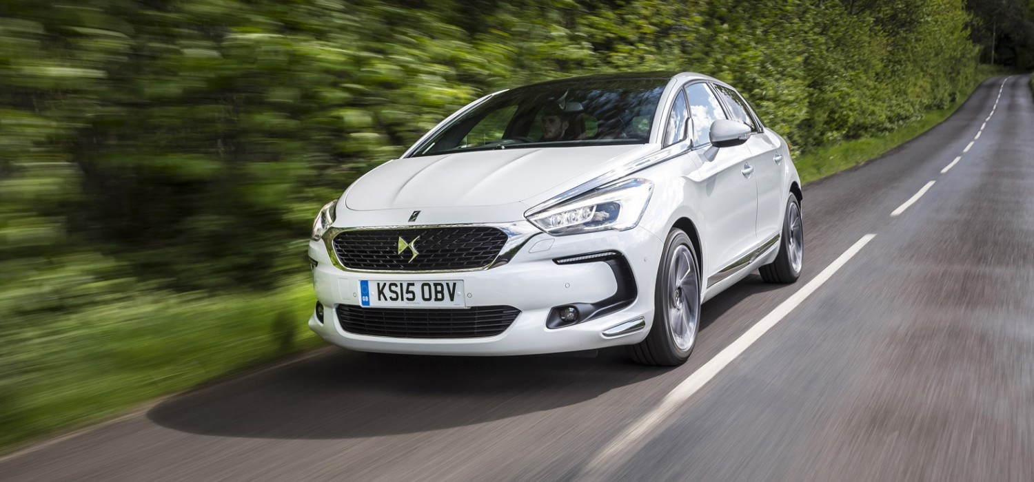 DS 5 Hybrid4 2015 - First Drive