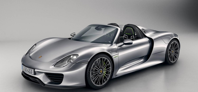Porsche 918 Spyder models recalled