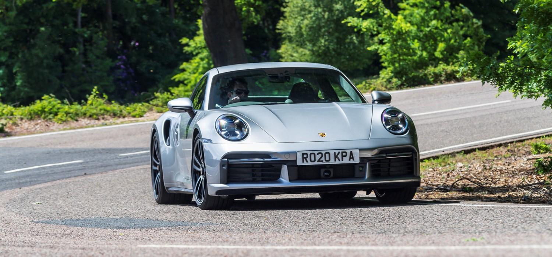 Fearsome Porsche 911 performs