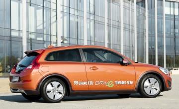 Volvo bucks sales trend