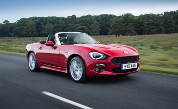 Fiat 124 Spider weaves magic web