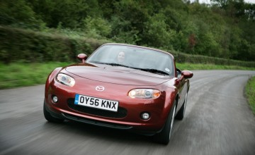 Mazda MX-5 Roadster Coupe SE 2