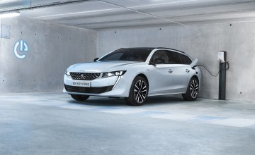 Peugeot makes 508 a plug-in hybrid