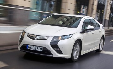 Ampera revs up for landmark road trip