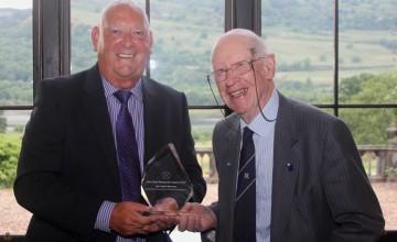 Award for veteran who started Jim Clark's career